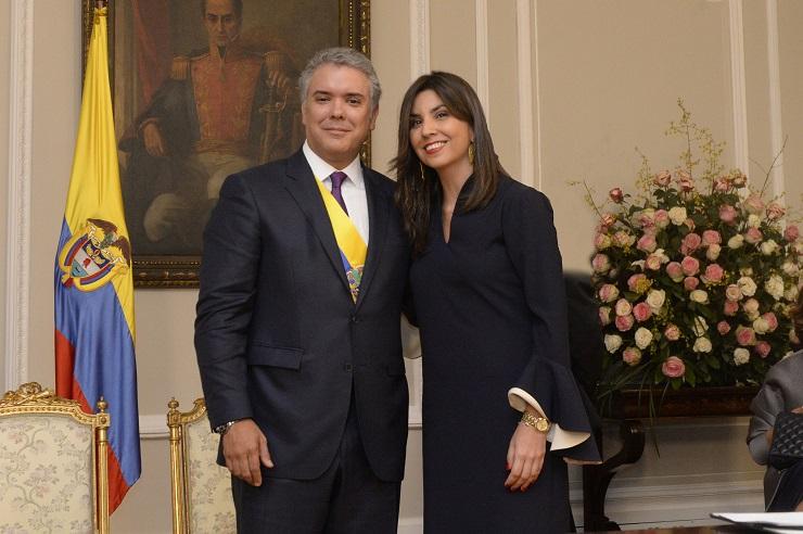 Presidente Iván Duque posesionó a María Victoria Angulo como Ministra de  Educación - Ministerio de Educación Nacional de Colombia