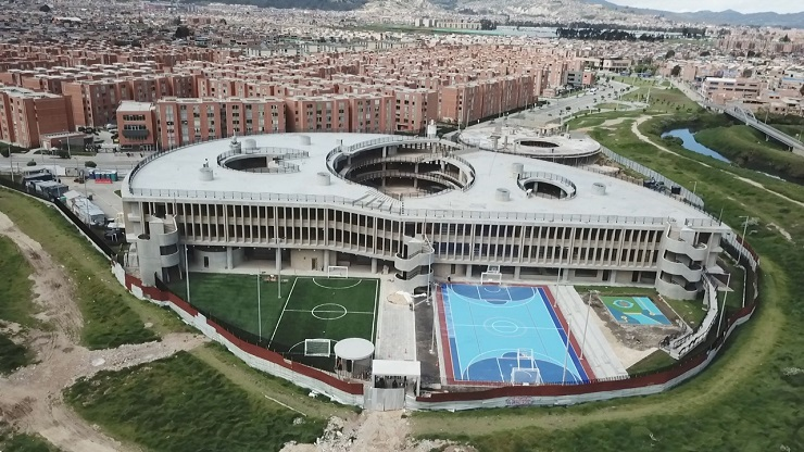 Gobierno Nacional y Distrital de Bogotá entregan megacolegio que rinde homenaje al Bicentenario de la República