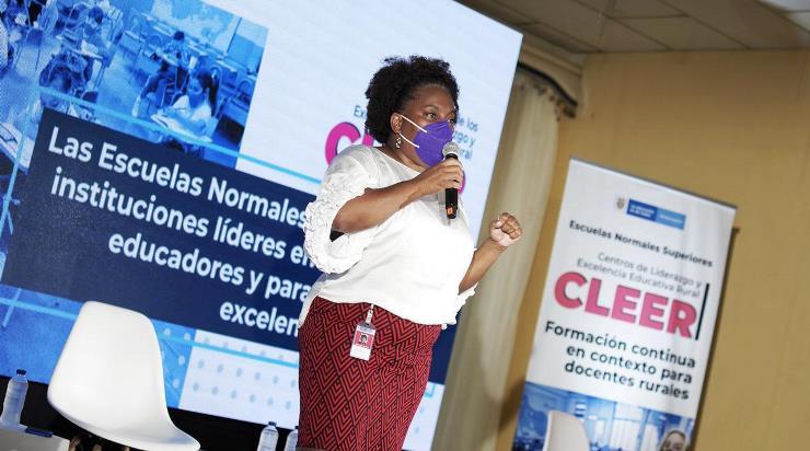 Foto discurso Danit Torres, directora de Calidad para la Educación Preescolar, Básica y Media